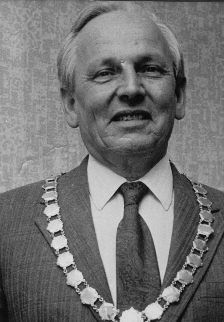 Mayor 1975-76 Frank Plummer