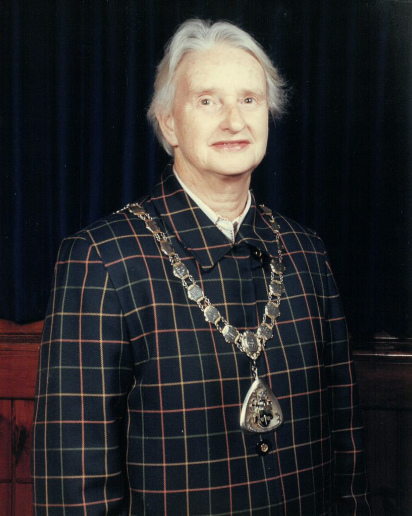 Mayor 1999-00 Liz Cornwall